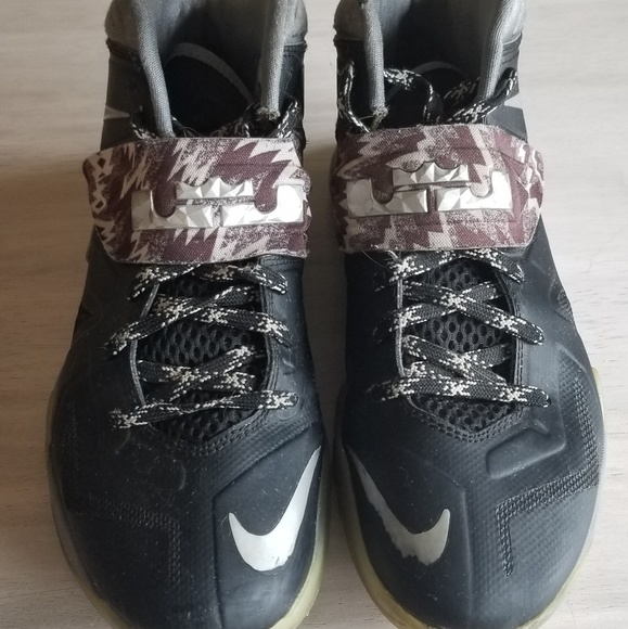 Nike Other - Mens Lebron Nike sneakers